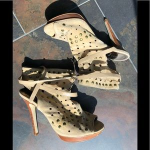 Tan Suede Leather Studded Heels by Bakers🎃